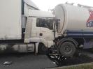 Wypadek w m. Wojciechów z udziałem 2 samochodów ciężarowych i 2 dostawczych